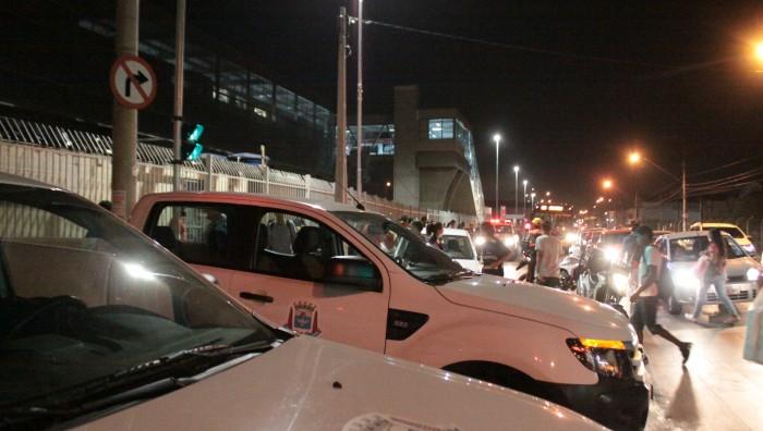 Prefeitura retira ambulantes ilegais no entorno do Terminal Norte