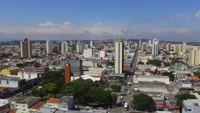 Suzano é a cidade que mais avança na região, aponta estudo