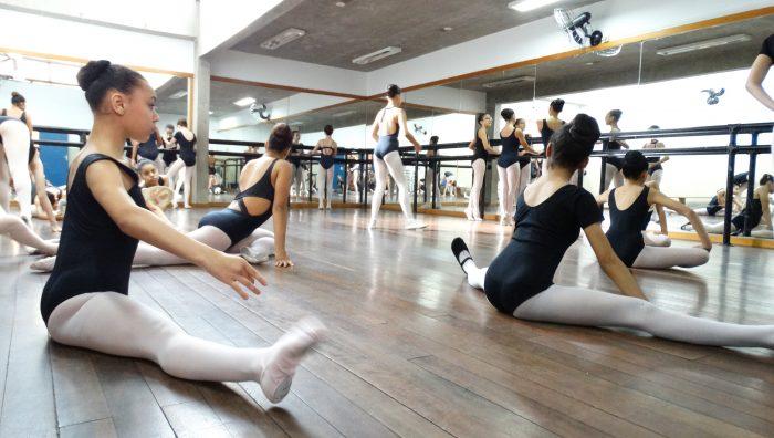 Pré-seleção da Escola do Teatro Bolshoi tem participação de 161 inscritos