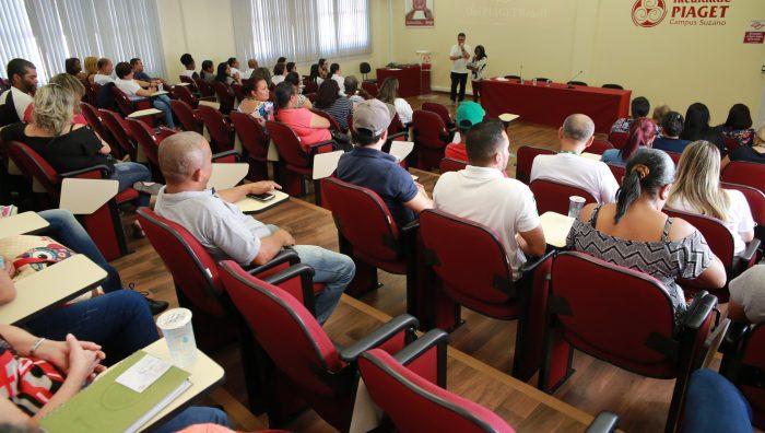 Secretaria de Saúde promove curso para cuidadores de idosos