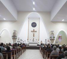 Padre irlandês recebe homenagem do prefeito de Suzano