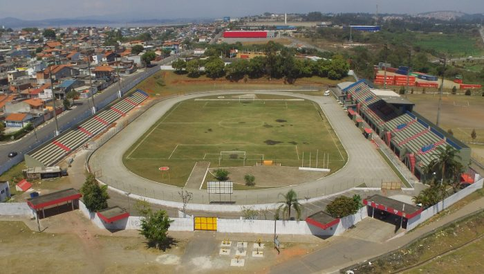 Estádio Suzanão atende 1,5 mil pessoas por semana em aulas esportivas gratuitas