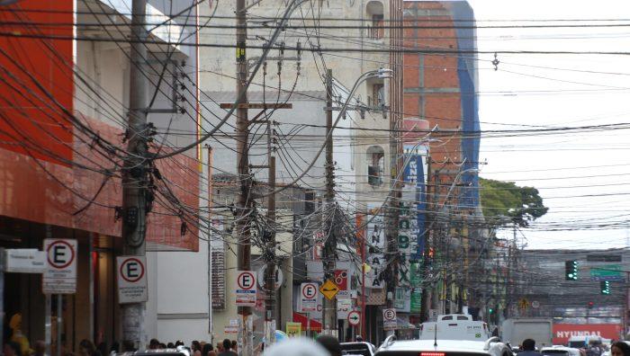 Suzano propõe parceria para promover despoluição visual em ruas do centro