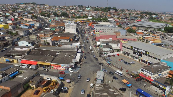 Fiscais interditam lojas com documentação irregular no centro e no Dona Benta