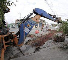 Sarjetas do Jardim Suzanópolis recebem manutenção
