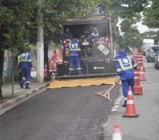 Recuperação asfáltica da rua Regina Cabalau Mendonça tem nova etapa