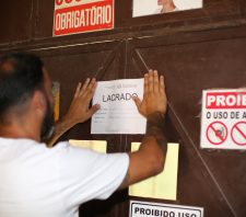 A pedido do Ministério Público, indústria é interditada por falhas em segurança