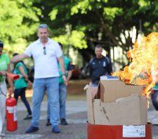 Integrantes da CIPA passam por capacitação para combate ao princípio de incêndio