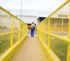 Passarela na Marginal do Una é nova opção para pedestres e ciclistas