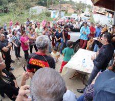 Prefeito de Suzano anuncia pavimentação no Jardim do Lago