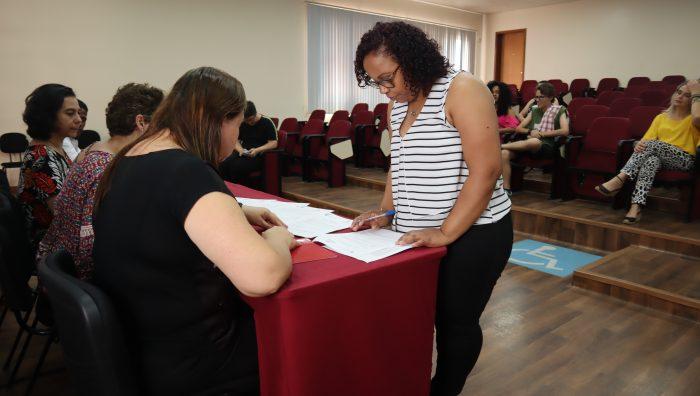 Prefeitura de Suzano e Faculdade Piaget entregam seis bolsas de estudo