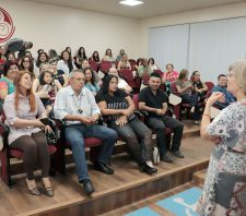 Meio Ambiente forma 1ª turma de educadores do bem-estar animal e prepara rede de atuação