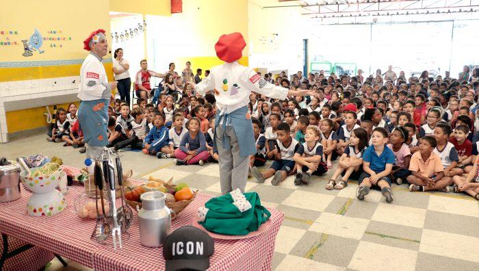Espetáculo 'Viver com Saúde' beneficia 10 mil alunos de escolas municipais