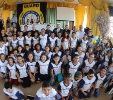 Guard forma mais 202 crianças em programa de prevenção às drogas