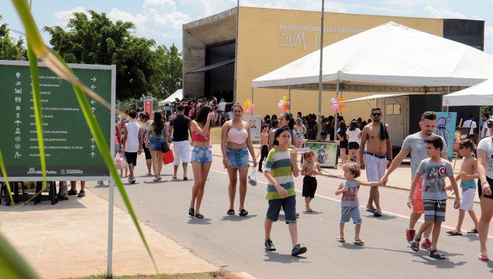 Cultura Presente e Feira de Artesanato levam mais de 5 mil pessoas ao Parque Max Feffer