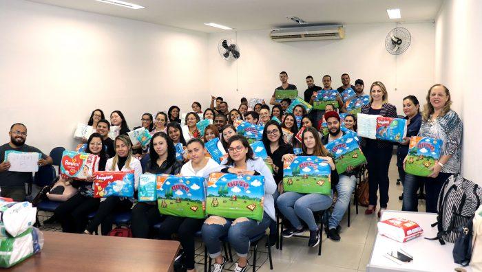 Fundo Social recebe 4 mil fraldas de estudantes universitários
