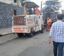 Rua Rui Barbosa recebe serviços de manutenção asfáltica