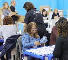 Mais de 8 mil eleitores comparecem às urnas e escolhem novos conselheiros tutelares