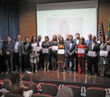 Conselheiros tutelares eleitos são diplomados em Suzano