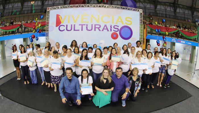 Entrega de certificados reúne mais de 2 mil pessoas na Arena Suzano
