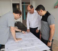 Prefeito e secretário estadual de Educação vistoriam obras em escolas de Suzano