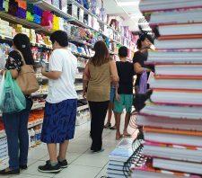 Procon de Suzano orienta sobre compras de material escolar