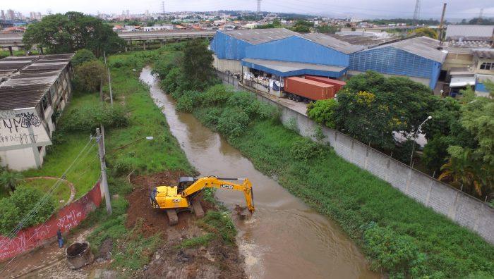 Monte Cristo passa por limpeza de rede de drenagem e desassoreamento do Guaió