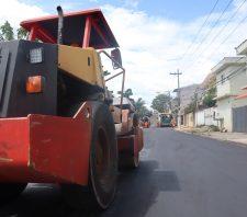 Prefeito de Suzano anuncia nova pavimentação para 16 bairros