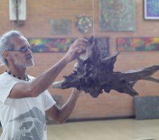 'Sobremadeira' do artista plástico Erasmo Amorim abre temporada de exposições do Centro Cultural Moriconi