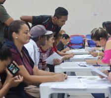 Famílias assinam contratos para 80 moradias em Palmeiras