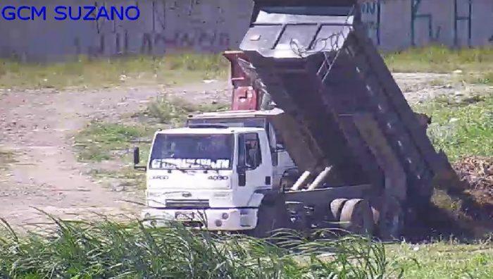 Câmeras da CSI flagram crime ambiental na Vila Amorim