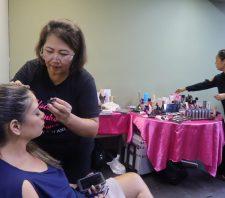 Servidoras ganham 'dia de beleza' em homenagem ao Mês da Mulher