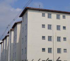 Suzano entrega chaves de novas moradias para 80 famílias