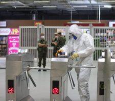 A pedido da prefeitura, Exército faz desinfecção do Terminal Norte e da estação de trem