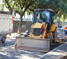 Obra de pavimentação asfáltica tem início na avenida Brasil