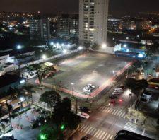 Parque Maria Helena, ruas do centro e Largo da Feira ganham nova iluminação