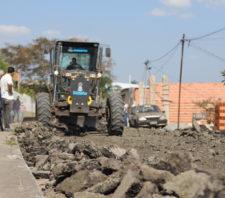 Vias públicas do Jardim Graziela começam a receber novo asfalto