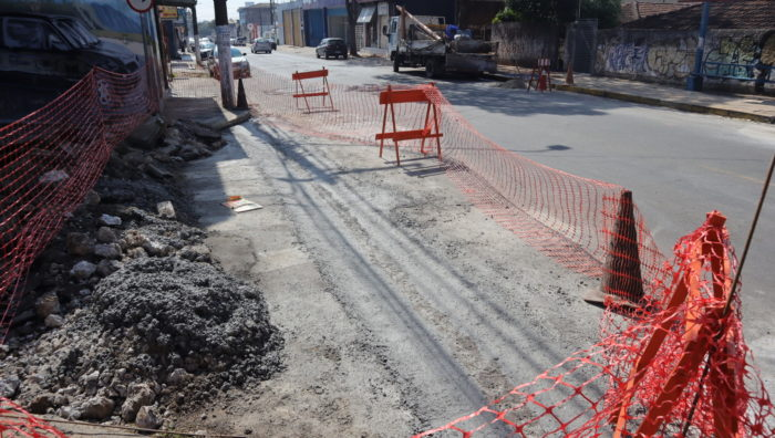 Última etapa de revitalização viária é iniciada na rua Baruel