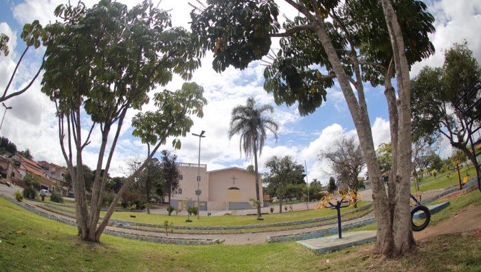 Viveiro Municipal reforça ações de zeladoria em praças de Suzano