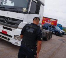 GCM de Suzano recupera caminhão roubado