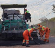 Prefeito e deputado Marcio Alvino visitam obras na estrada do Areião