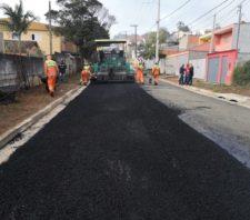 Ruas do Jardim São Luís recebem novo asfalto