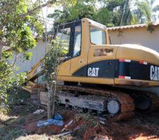 GCM recupera escavadeira roubada no distrito de Palmeiras