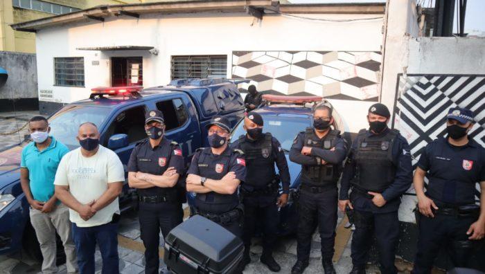 Agente da Secretaria de Segurança Cidadã impede furto de celular no Parque Suzano
