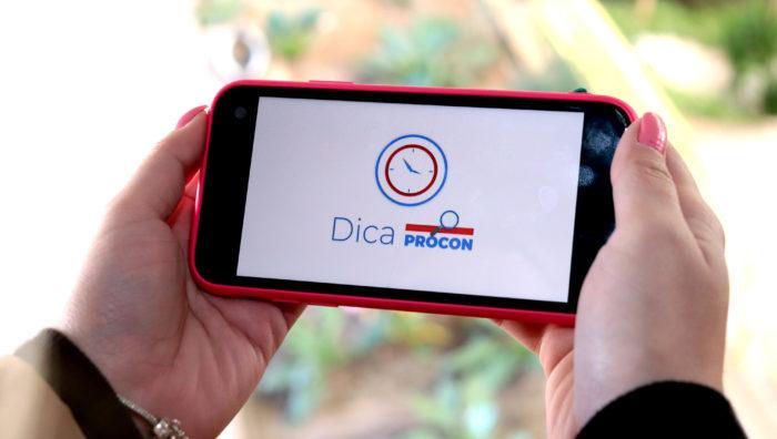 Procon dá dicas e orientações por meio de vídeos na Internet e em unidades de saúde