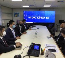 Em Brasília, prefeito busca investimentos para Suzano