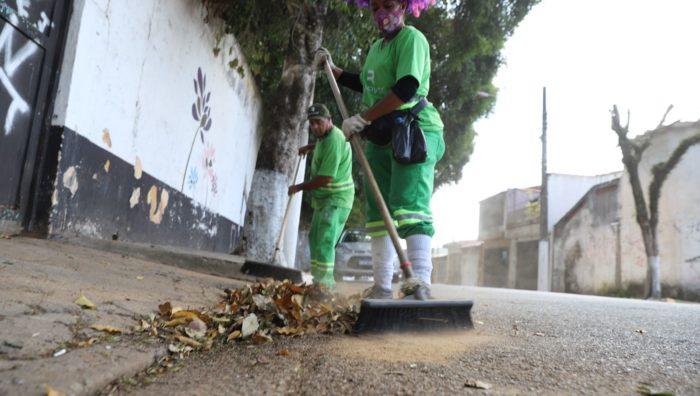 Ações de zeladoria promovem melhorias na cidade ao longo do final de semana prolongado