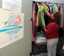 'Loja do Bem' reabre com mais de cem peças novas de vestuário